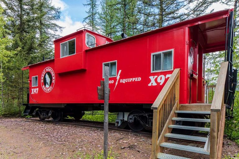 Red Caboose at Izaak Walton Inn - Cabin Rentals in Glacier